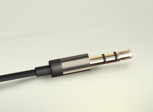 Headphone-plug-of-Aurvana-In-Ear2-PSD