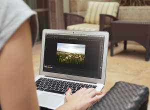 MacBook-Air-Mockup-Free-PSD