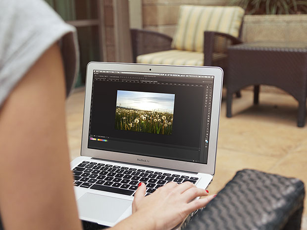 MacBook-Air-Mockup-Free-PSD