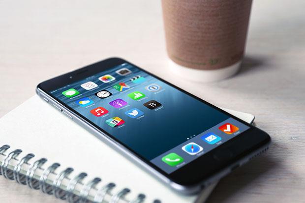 iPhone-6-Plus-Desk